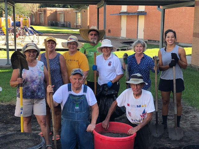 Dolby Elementary would like to send out a huge thanks to the local Master Gardeners who were able to revamp the school's garden.